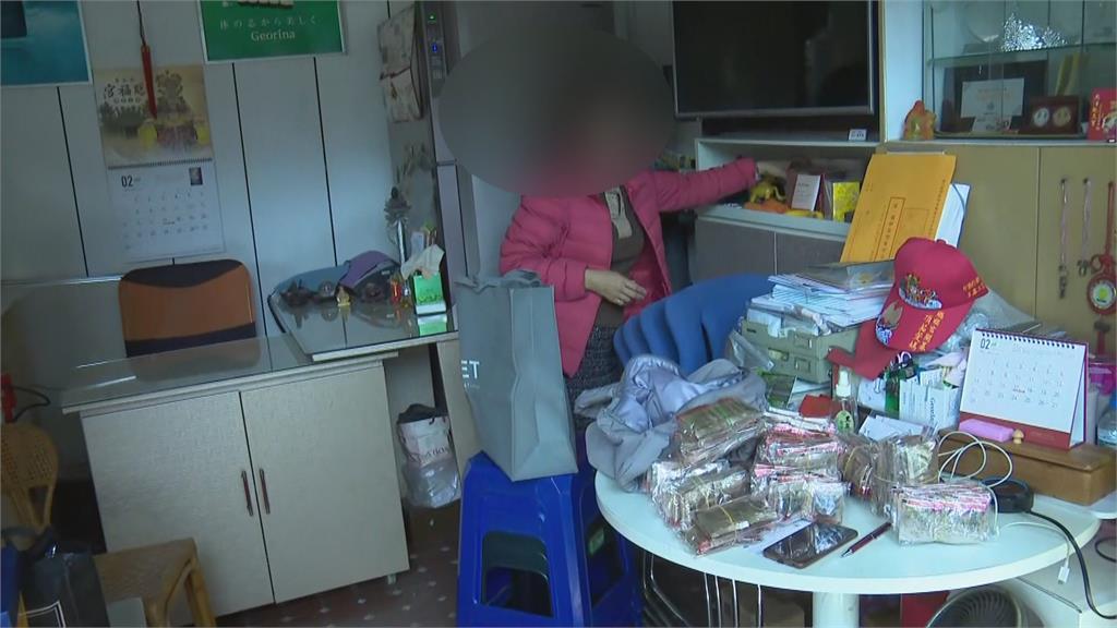 在家吃飯突被搶劫! 嫌闖住家搶走女子包包