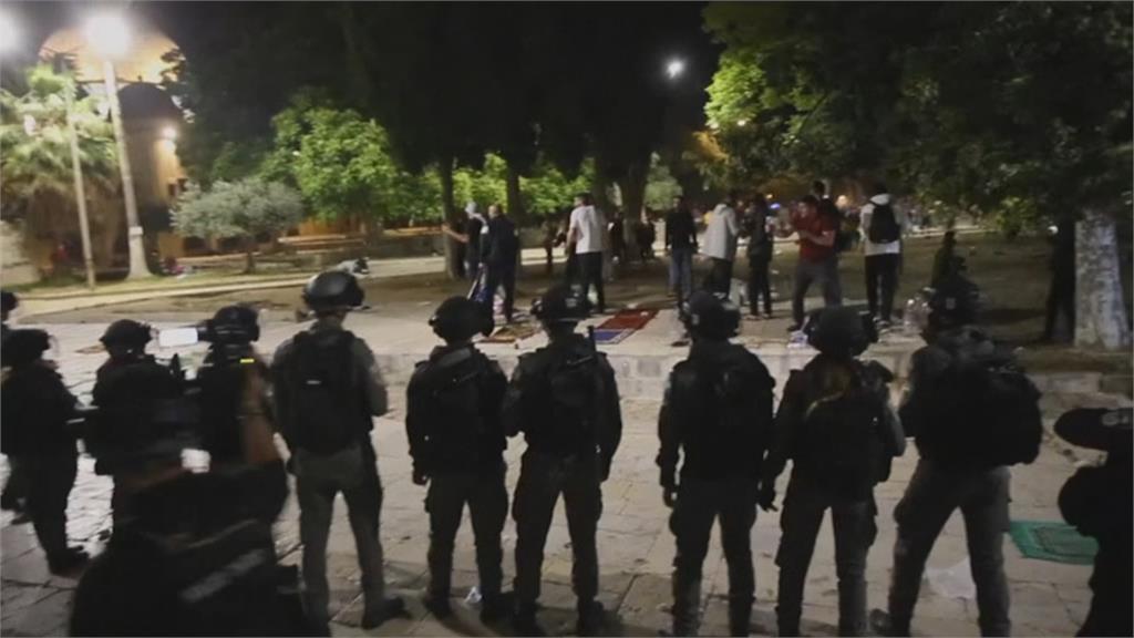聖殿山齋戒祈禱 以巴爆衝突! 哈瑪斯旗幟引爆示威 近二百人傷