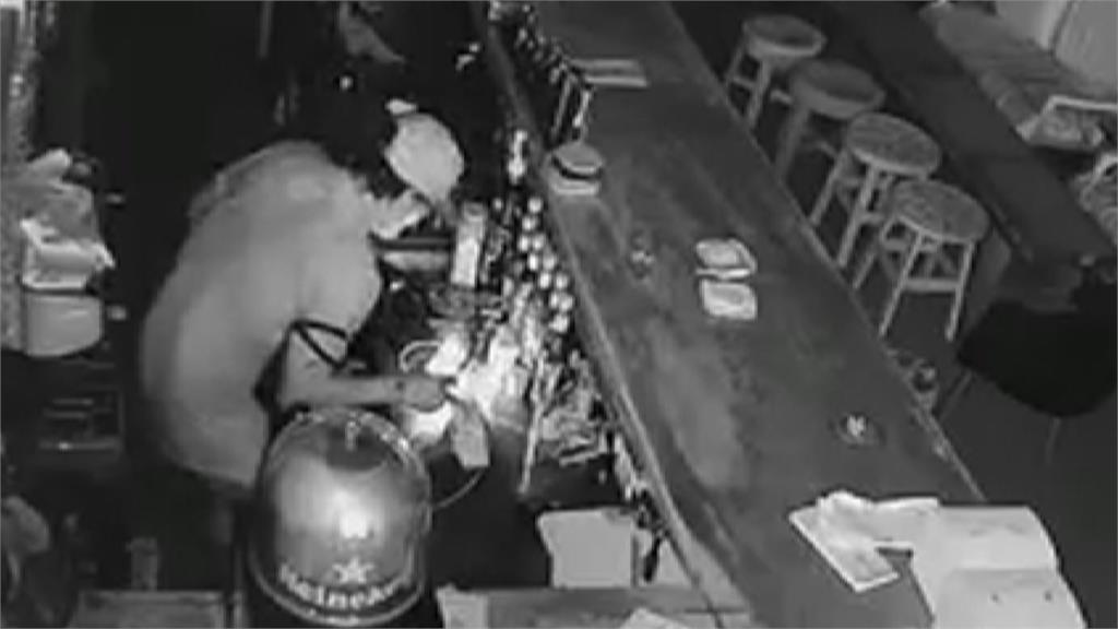 疫情整條街「店休」竊賊大白天闖空門悠哉掃光10萬元財物 口罩、額溫槍也偷