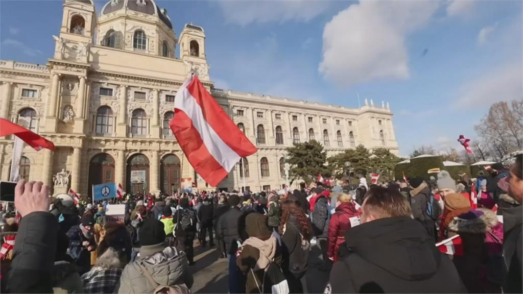 歐洲65萬人病故 法延長宵禁 奧、義管制惹民怨