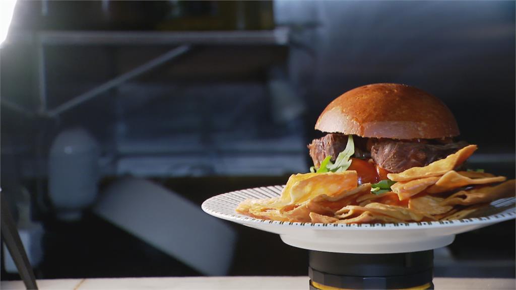 思念家鄉味! 靠3~5公分厚牛肉漢堡滿足「肉慾」