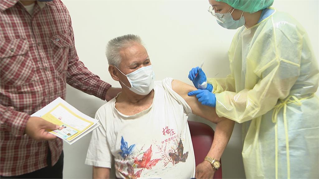 長者傳打疫苗後猝死 「打了卡安心」北市接種仍踴躍