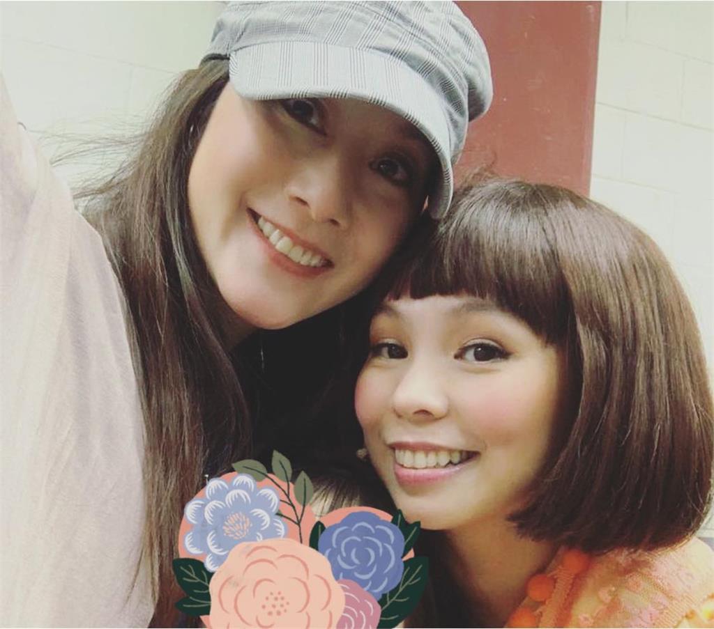 許慧欣消失台灣歌壇8年 好友自拍照意外讓她近況曝光!