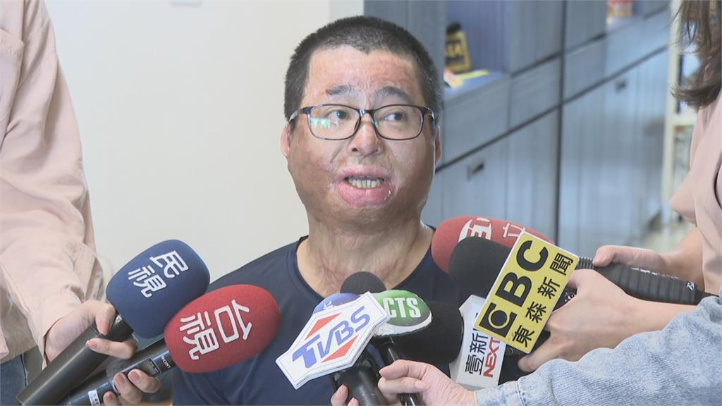 從氣爆慘劇中重生 讓愛延續  捐款十萬 徐晏祥為出軌受災戶打氣