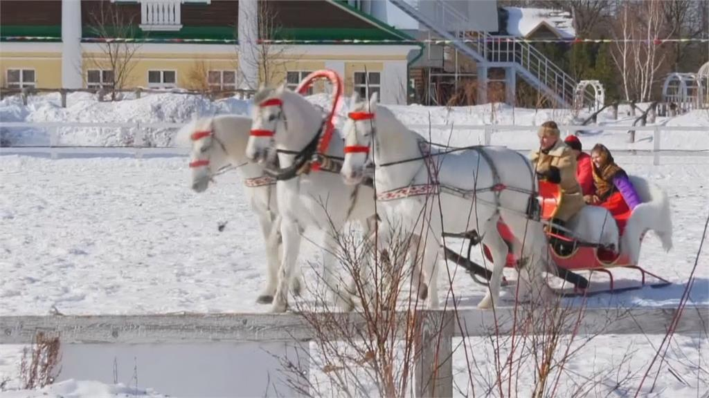 俄羅斯三頭馬車賽 比技術也比外型