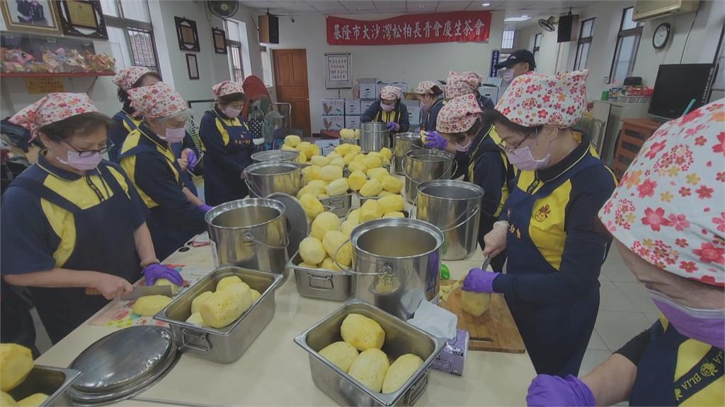認購鳳梨挺農民 幫國小營養午餐加菜