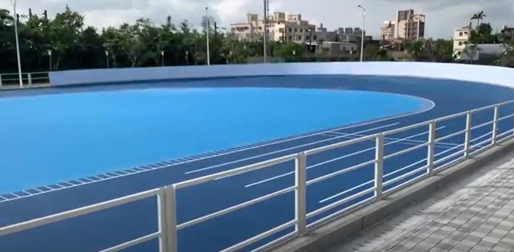 快新聞/新竹縣湖口近2億的公園 民眾竟只有積水的籃球場可用