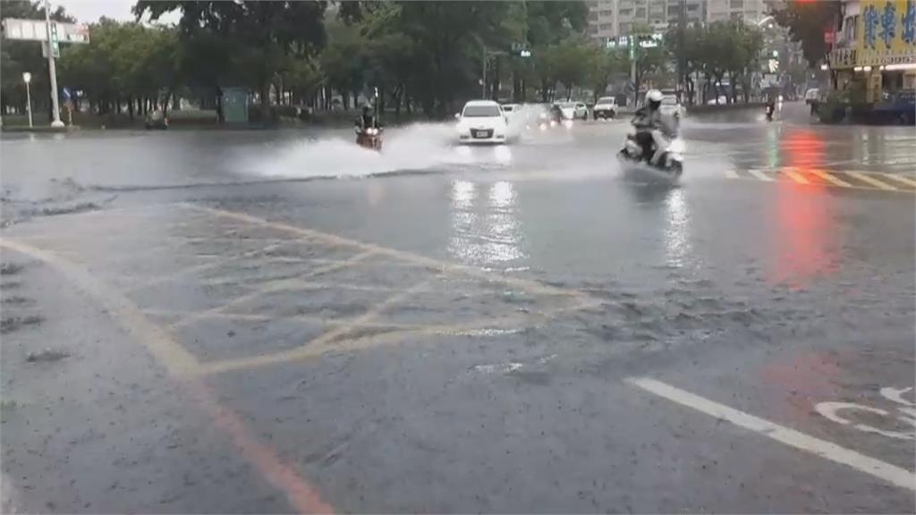 估山區今日雨量將達300毫米 高雄山區5行政區預防性停班課