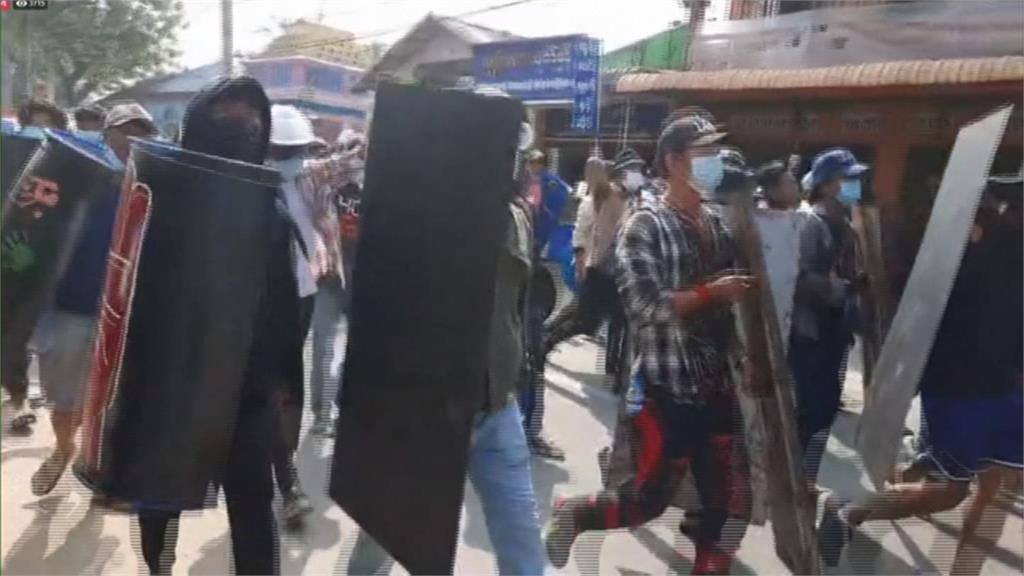 緬甸示威傳1女中彈亡 軍政府開除駐聯大使