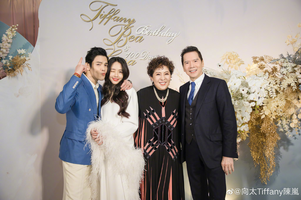 向佐「舔狗請注重中國人形象」向太母子堅定中國心7條親中驚句