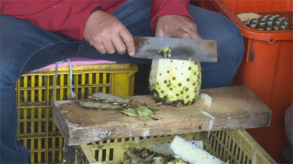 一人一天可削1500公斤 近2千顆鳳梨雲林嬤鳳梨削皮去心 不用30秒!