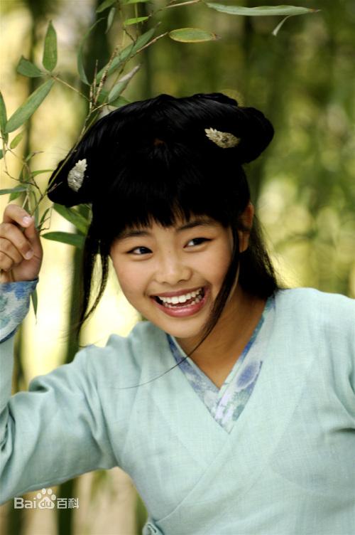 16年前「最醜童星」長大了!她近照曝光「高顏值」打臉酸民