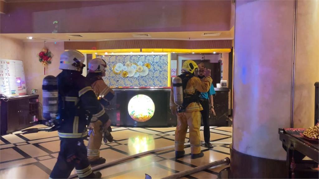 高雄凌晨一理容院驚傳火警 幸無人員傷亡