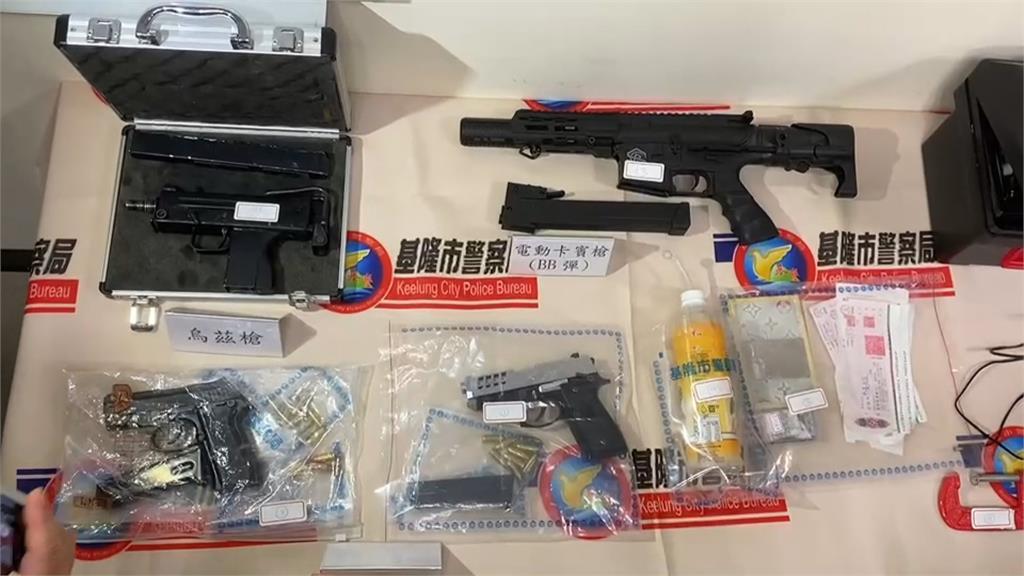 開山刀VS.改造槍枝...  賭債喬不攏引發火拚! 警方竟然搜出這麼多把槍