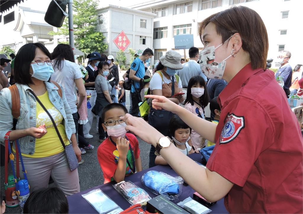 新北消防局結合「波力」!慈濟三重園區舉辦防災親子體驗