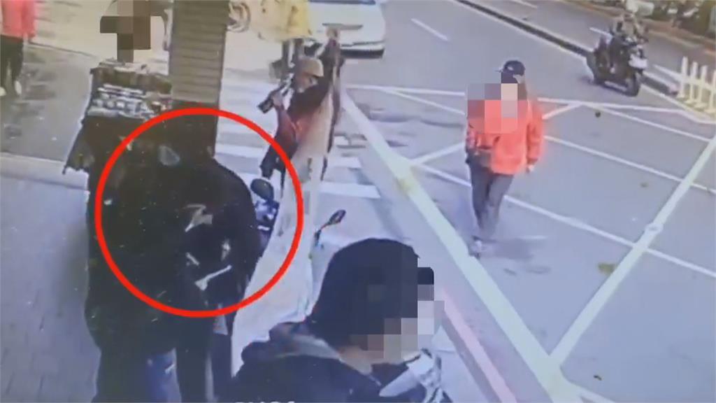 超商外搶領錢民眾 警逮搶奪二人組 中途變裝製造斷點 逃不過警法眼