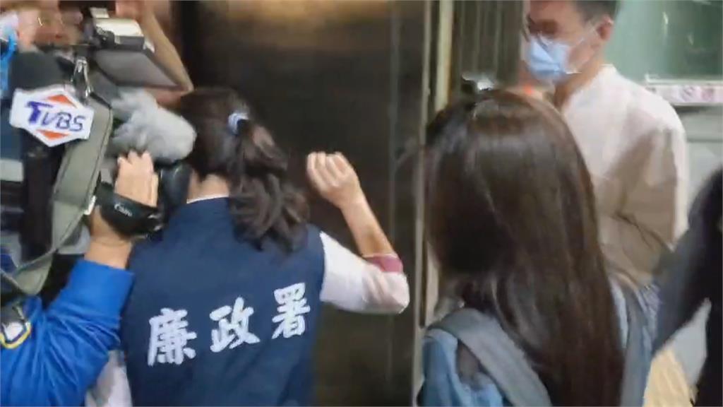 三總爆職員私吞逾5萬片口罩 每片5元無本賣