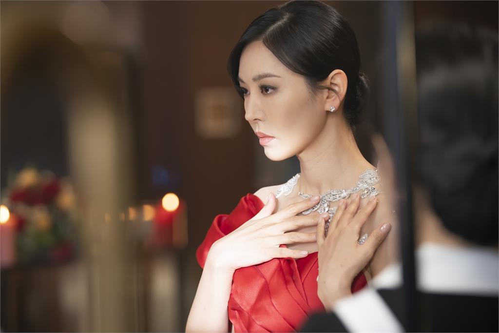 金素妍天生惡女不被《愛上女主播》定型 《上流戰爭》再展惡的高度!