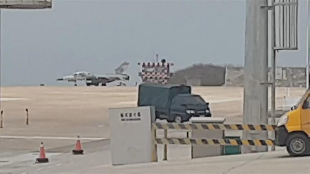 疑側風太大 IDF戰機馬公機地偏離跑道 2飛官平安