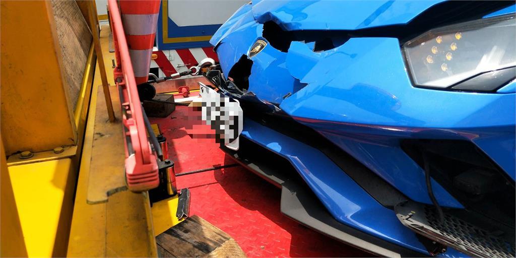 3輛藍寶堅尼「瘋呸」?國道飆車「2牛擦撞」 網:2棟房互撞