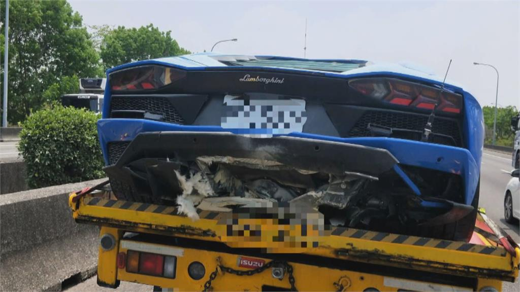 超跑雙牛碰撞波及小客車 修車費恐達4百萬元