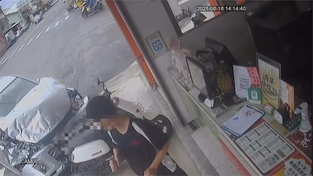 車禍連環撞驚險曝光 飲料店員工無辜被撞