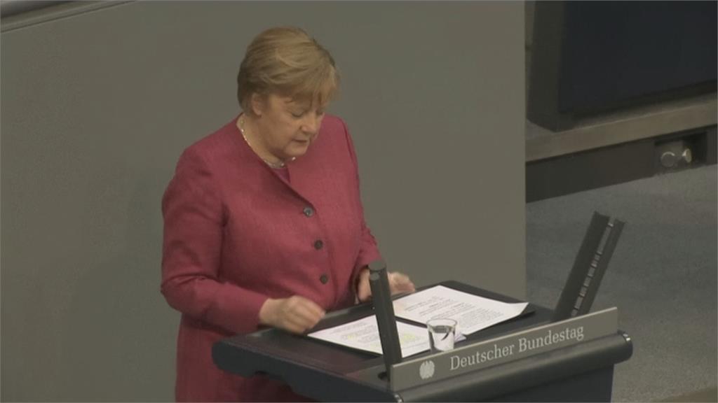 以行動力挺! 德國總理梅克爾接種AZ疫苗