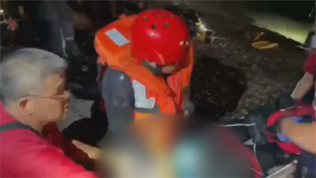 綠島中寮港2溺水! 男獲救海巡女不幸身亡